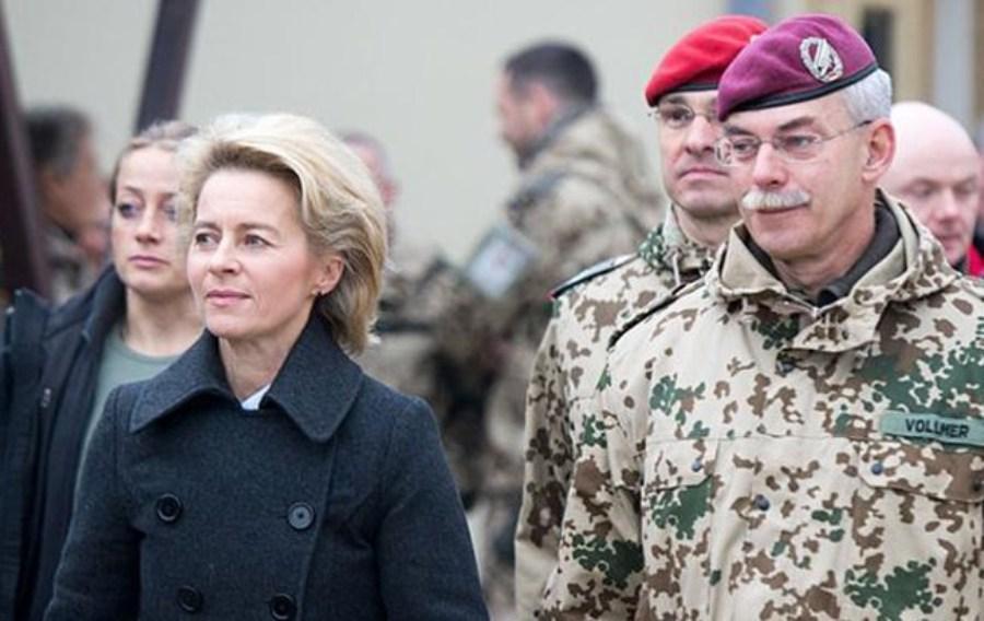 افزایش انتقادها از وزیر دفاع آلمان به خاطر رسوایی اقتصادی