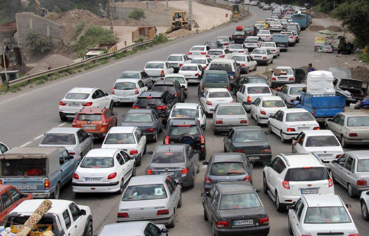 ترافیک در محور های کرج- چالوس و هراز، بارش باران در بعضی محور های استان خراسان رضوی و تهران