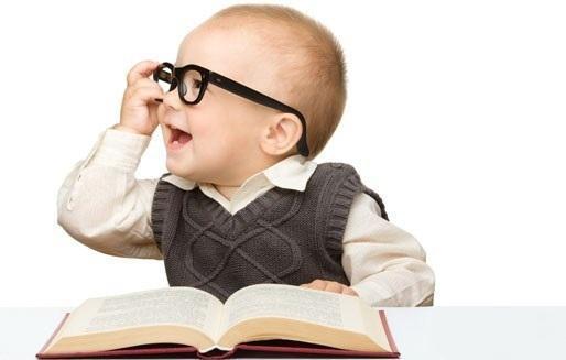 چگونه کودک دو ساله خود را به کتاب و کتاب خواندن در سال های آینده علاقمند کنیم؟